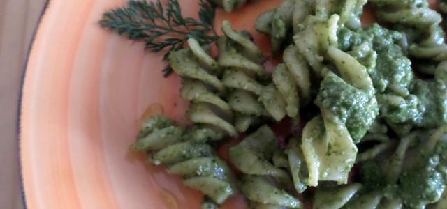 Pasta al pesto di foglie di carote