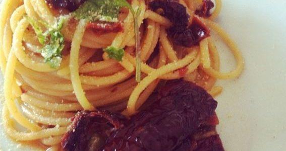 Spaghetti pomodori secchi e colatura di alici